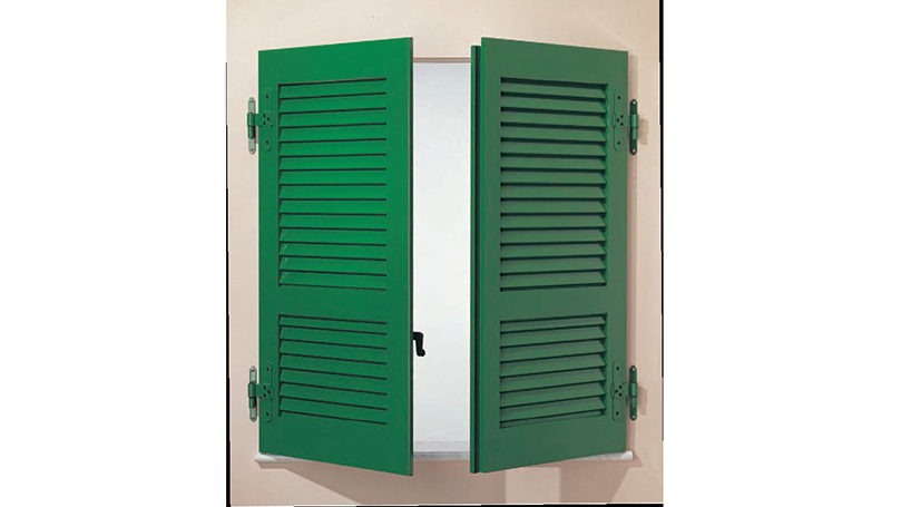 Aluminium shutters with open fixed slats, fascia and wall hinges
