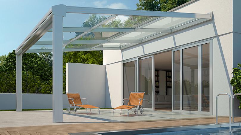 Pergolati per Giardino con Piscina Per Edificio Moderno con Copertura Trasparente e Sistema di Oscuramento Integrato