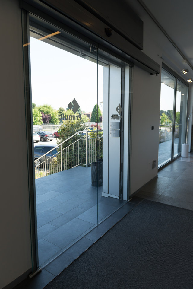 sliding glass entrance door manufactured and installed by Aluser