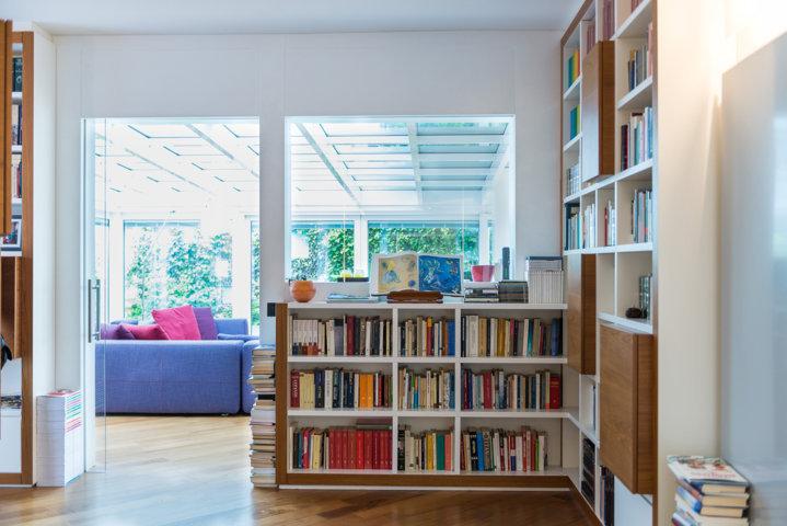 schuco verande per un appartamento di design a Milano, un progetto di Aluser