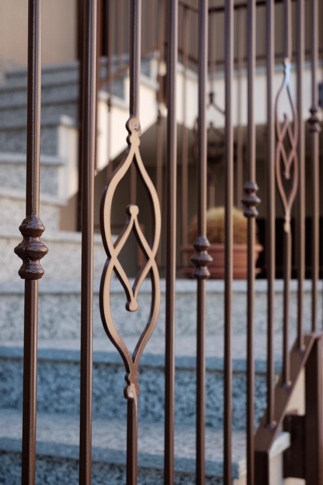 ringhiera scala in ferro prodotta e installata da aluser