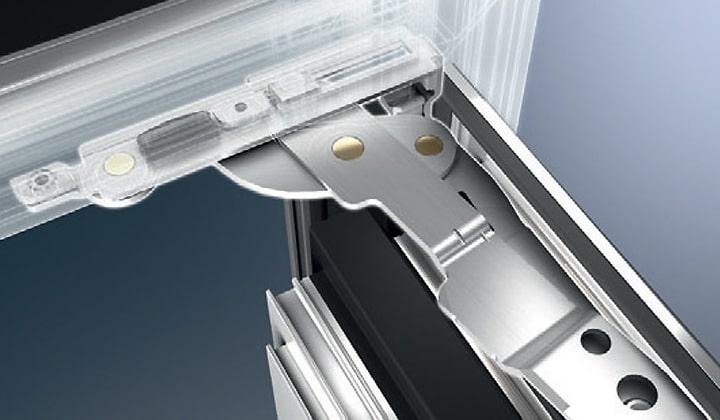 sistema avantec di schuco per serramenti in alluminio per ottenere cerniere a scomparsa