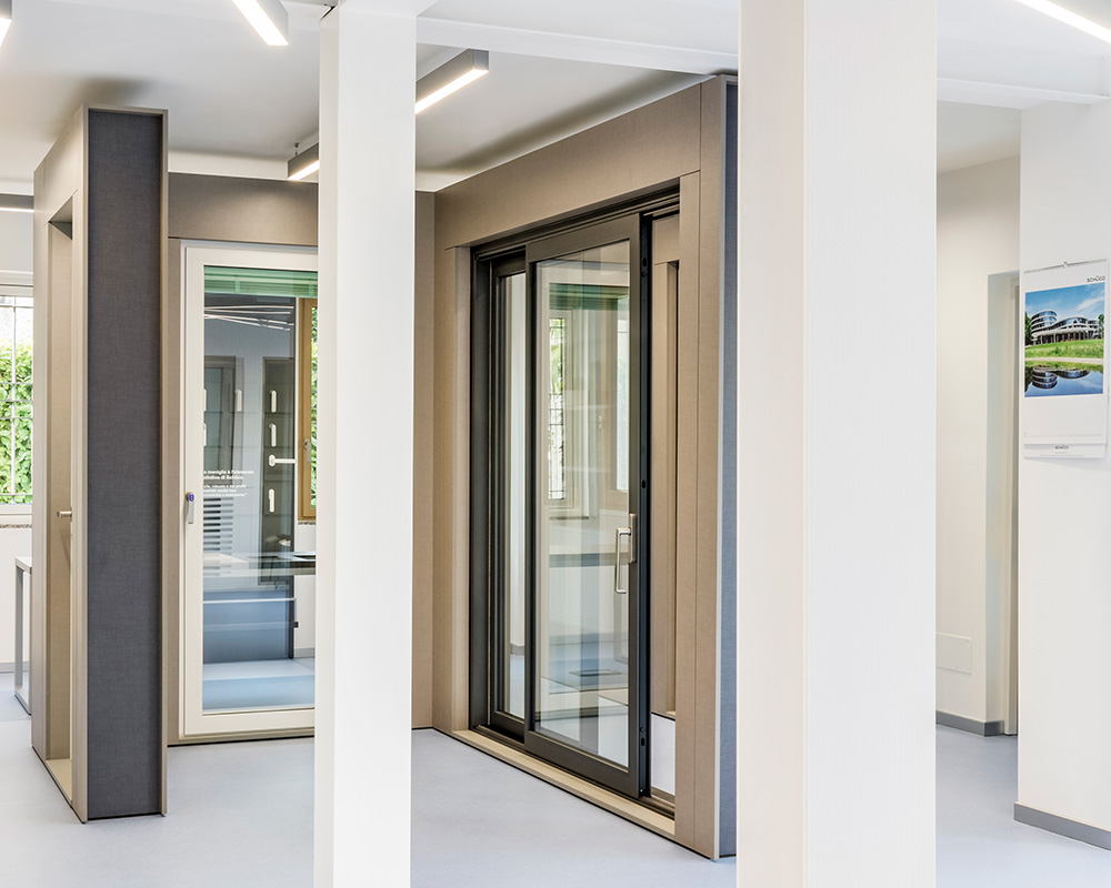 Aluser, rivenditore Schuco di Milano, dispone di una vasta gamma di prodotti Schuco. Visita il nostro showroom Schuco a Vittuone